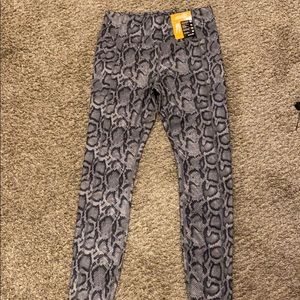 High waisted ankle tight leggings